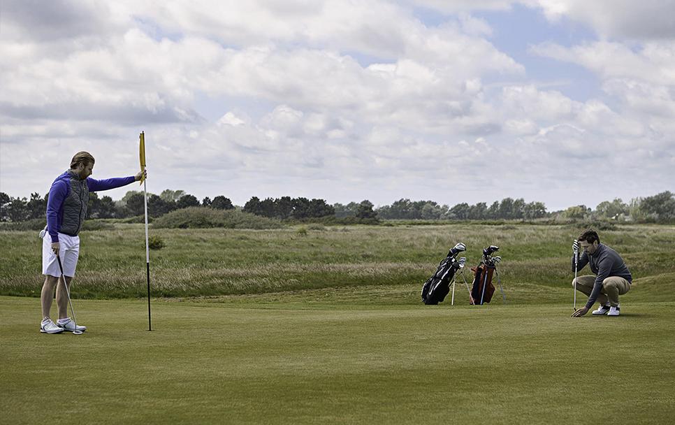 Golf-putt3.jpg